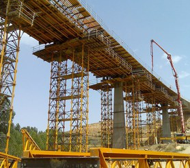 Viaduct construction shored with T-500 towers