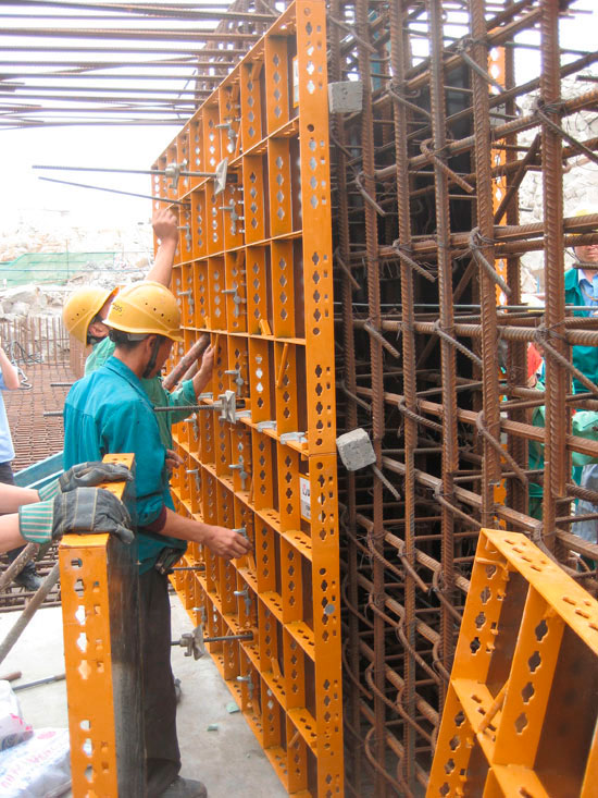 Lightweight steel panel formwork COMAIN   ULMA Construction
