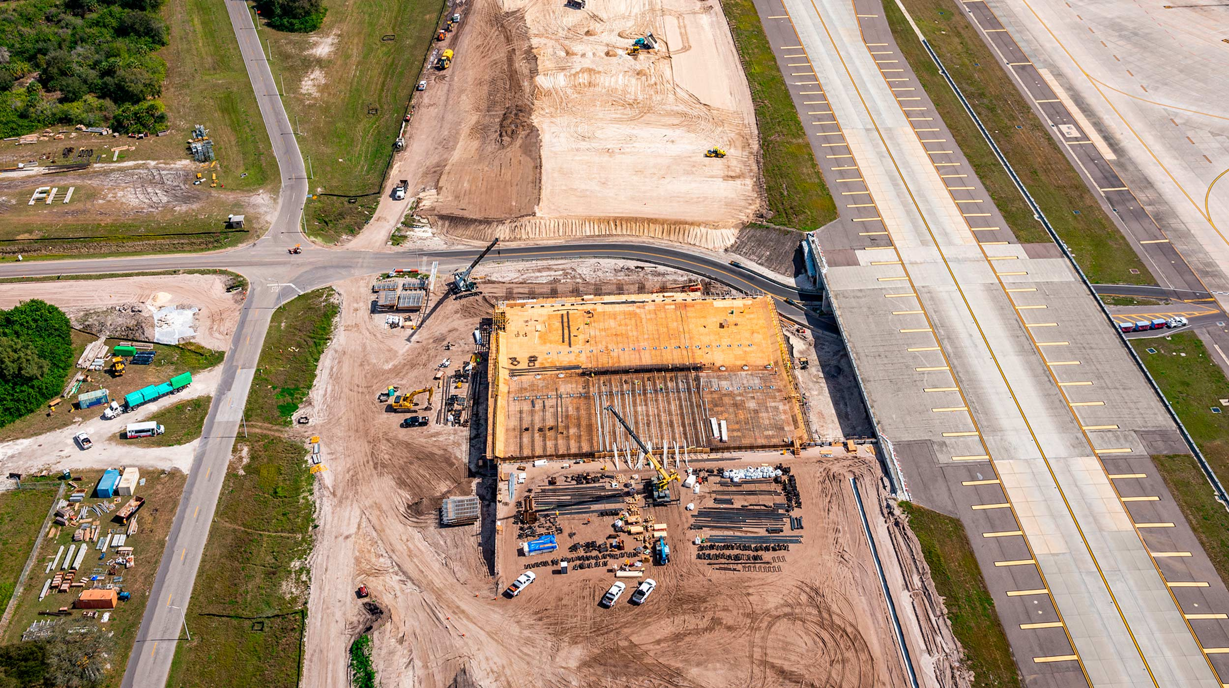 The extension of the Tampa International Airport required forming and shoring solutions to build a new bridge for Taxiway 'A', ULMA is collaborating to build it.