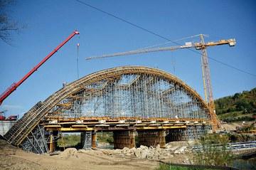 Arch bridge over Stradomka River