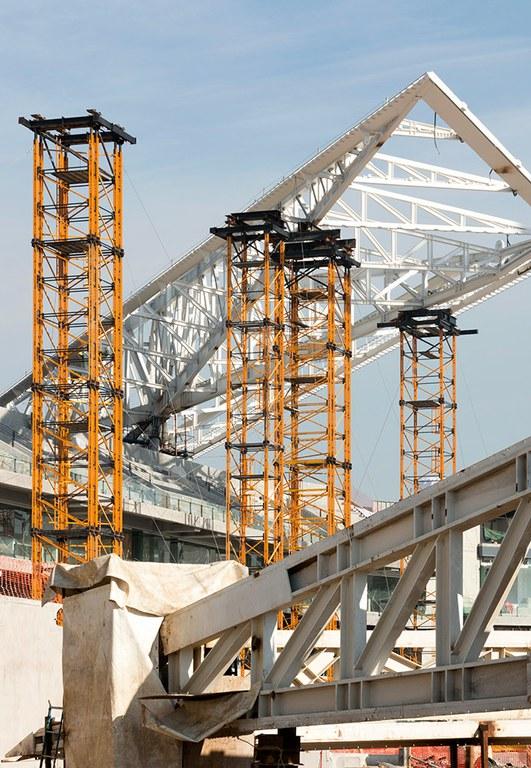 MK Shoring Towers load capacity at Diablos Rojos Stadium, Mexico
