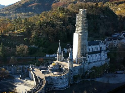 Tailor-made scaffolding solutions for the restoration of the Sanctuary of Lourdes