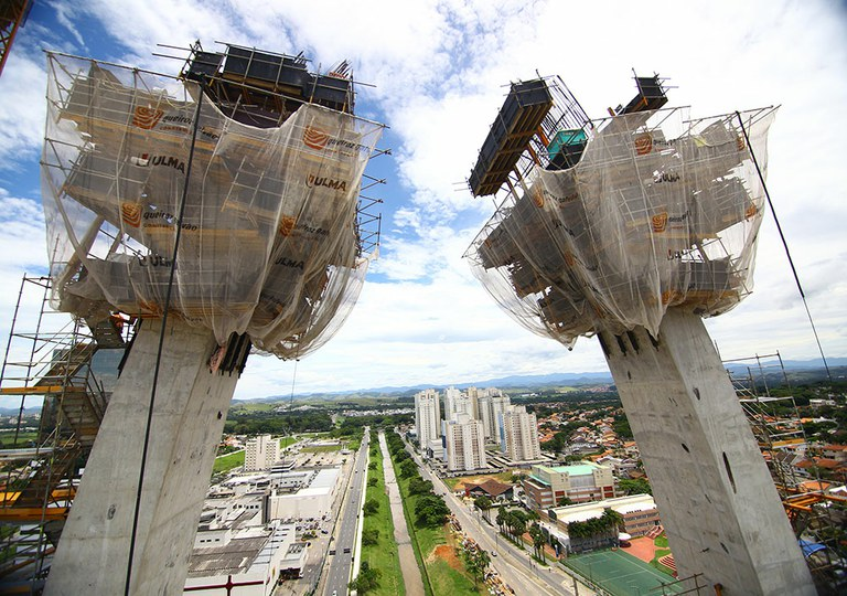 ULMA engineering solutions on the emblematic Arch of Innovation bridge, Brazil