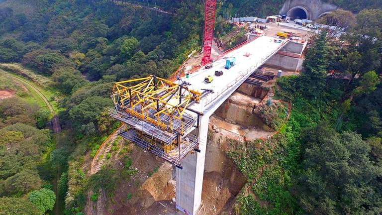 Wide range of MK System capabilities at Interlomas Viaduct, Mexico